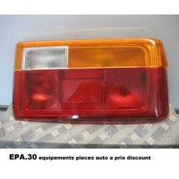 FEU ARRIERE DROIT COTE PASSAGER RENAULT 9 R9  - EPA30 - .