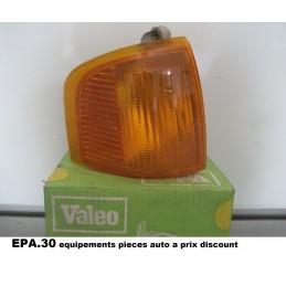 FEU CLIGNOTANT AVANT DROIT COTE PASSAGER FORD ESCORT DE 1987-12/90  - EPA30 - .