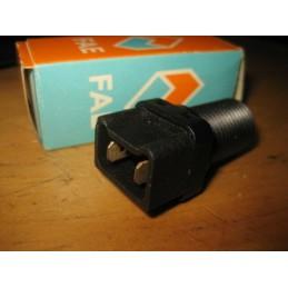 CONTACTEUR STOP R19 R21 CLIO ESPACE EXPRESS KANGOO MEGANE SAFRANE SCENIC  - EPA30 - .