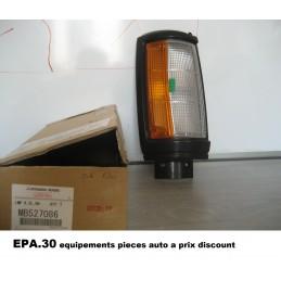 FEU CLIGNOTANT AVANT DROIT MITSUBISHI L200  - EPA30 - .