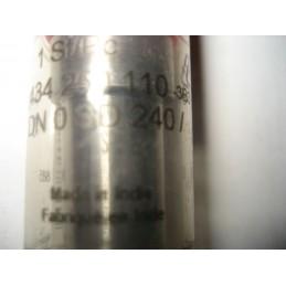 GICLEUR BUSE POINTE INJECTEUR MERCEDES W123 S123 C123 DN0SD240 - EPA30 - .