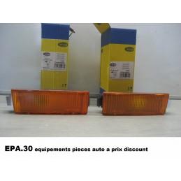 FEU CLIGNOTANT AVANT GAUCHE et DROIT CITROEN VISA C15 - EPA30 - .