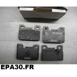 JEU DE 4 PLAQUETTES DE FREIN ARRIERE BMW série 3 320i 323i E21 - EPA30 - .