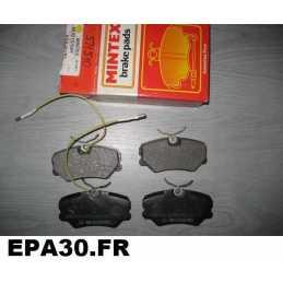 JEU DE 4 PLAQUETTES DE FREIN AVANT PEUGEOT 405 série 1 2 - EPA30 - .
