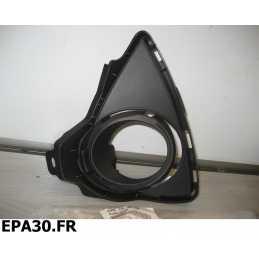 ENJOLIVEUR DE FEU ANTIBROUILLARD AVANT CHAUFFEUR TOYOTA AURIS après 10/2012 - EPA30 - .