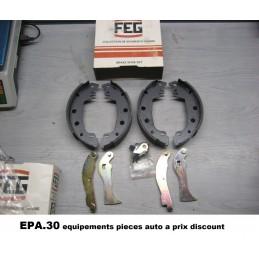 JEU DE 4 MACHOIRES DE FREIN ARRIERE FIAT 131 132ARGENTA - EPA30 - .