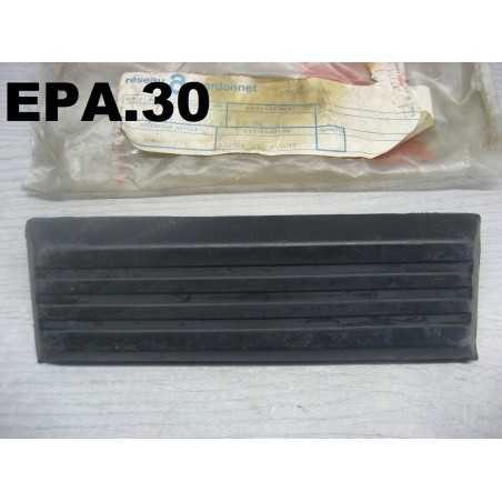 MOULURE PARE-CHOCS AVANT LANCIA BETA COUPE - EPA30 - .