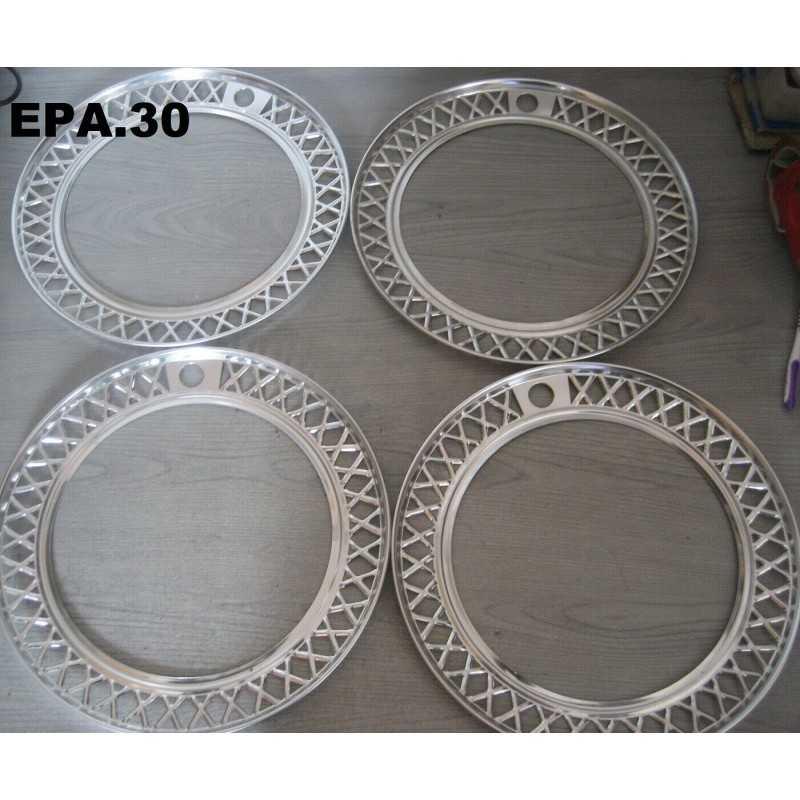 4 ENJOLIVEURS DE ROUES FIAT 125 - EPA30.