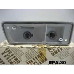 PLATINE FEU AVANT DROIT PASSAGER RENAULT 14 R14  - EPA30 - .